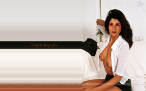 Dimple Kapadia Nude Showing her Boobs on the Sofa [Fake]