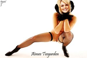 dfz76jqwr44v t Aimee Teegarden Nude Posing her Sexy Boobs n Pussy [Fake]