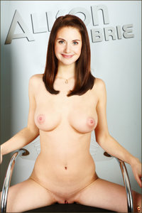 jyw374ukhb7e t Alison Brie Fake Nude and Sex Picture