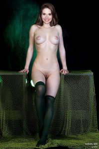 u68popkrhy1u t Alison Brie Fake Nude and Sex Picture