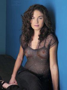 uace0ferg29u t Alexa Davalos Nude Showing her Naked Boobs [Fake]